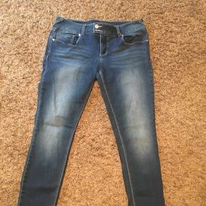 Like new slim jeans